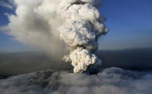 Volcano-cloud_